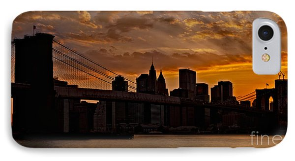 Brooklyn Bridge Sunset Phone Case by Susan Candelario