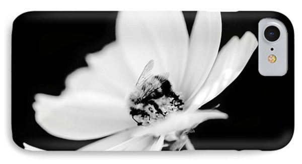 Bumblebee Collect Pollen  IPhone Case