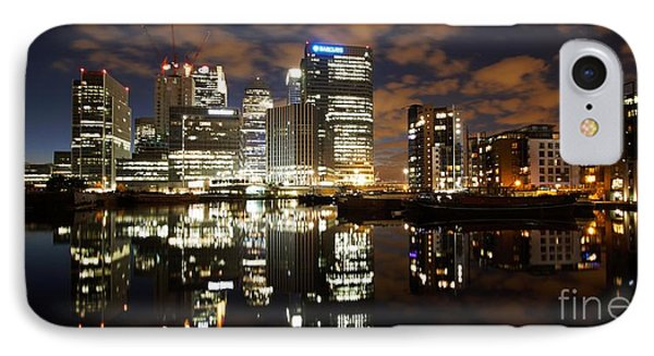 IPhone Case featuring the photograph Canary Wharf London by Mariusz Czajkowski