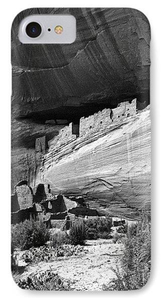 Canyon De Chelly Phone Case by Steven Ralser