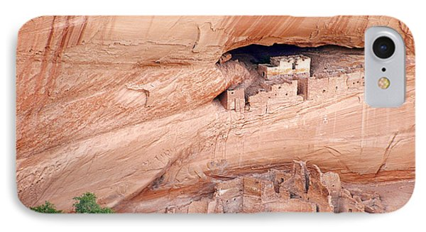 Canyon De Chelly White House Ruins Phone Case by Christine Till