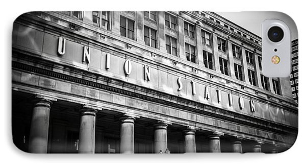 Chicago Union Station In Black And White Phone Case by Paul Velgos