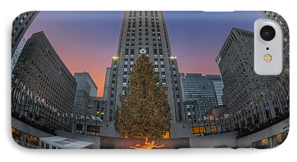 Christmas At Rockefeller Center In Nyc Phone Case by Susan Candelario