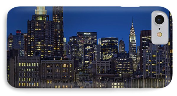 Chrysler Building Twilight IPhone Case by Susan Candelario