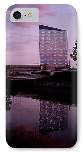 Cira Centre IPhone 7 Case