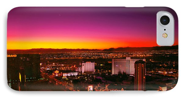 City - Vegas - Ny - Sunrise Over The City Phone Case by Mike Savad