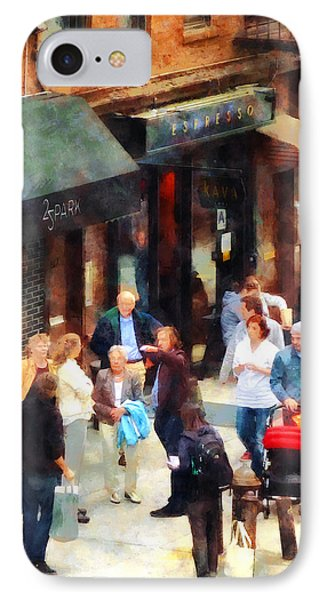 Crowded Sidewalk In New York Phone Case by Susan Savad