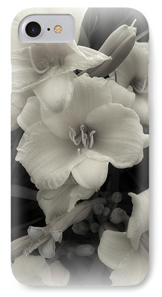 Daffodils Emerge Phone Case by Daniel Hagerman