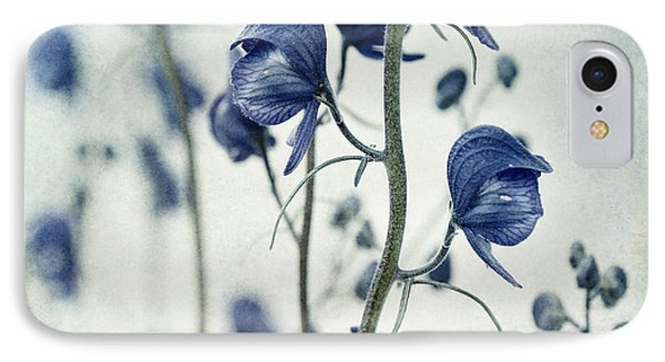 Flowers iPhone 7 Case - Deadly Beauty by Priska Wettstein