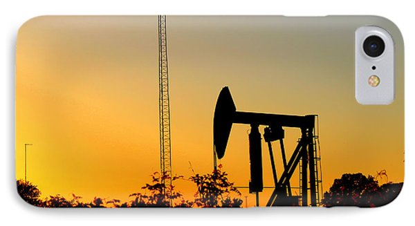 East Texas Pumpjack At Sunset Phone Case by Kathy  White