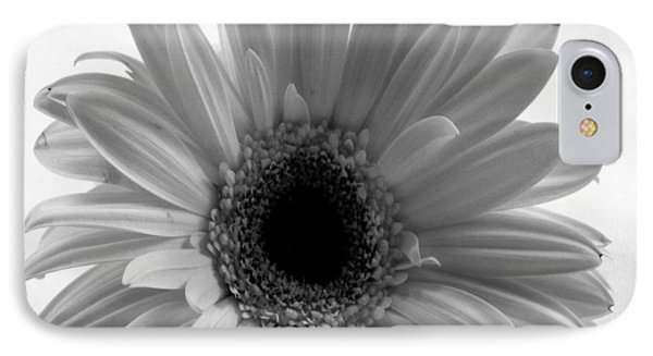 Elegant Daisy IPhone Case
