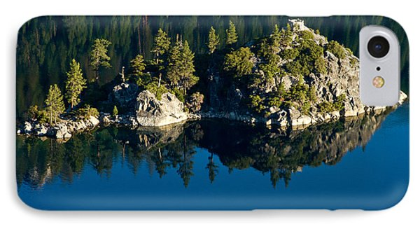 Emerald Isle IPhone Case by Bill Gallagher
