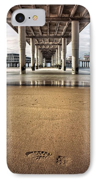 Footprints In The Sand Phone Case by Dave Bowman