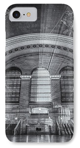 Grand Central Station Bw Phone Case by Susan Candelario