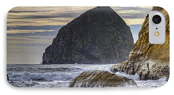 Haystack Rock At Cape Kiwanda Phone Case by David Gn