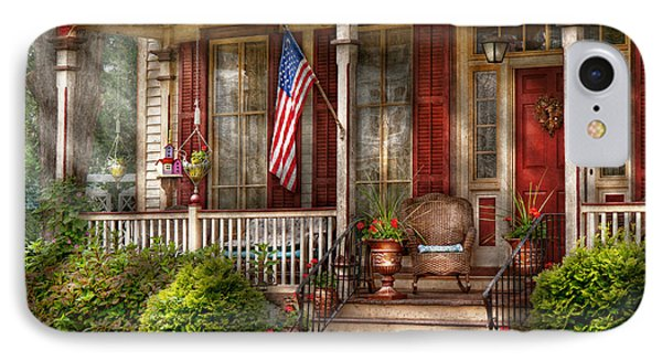 House - Porch - Belvidere Nj - A Classic American Home  Phone Case by Mike Savad