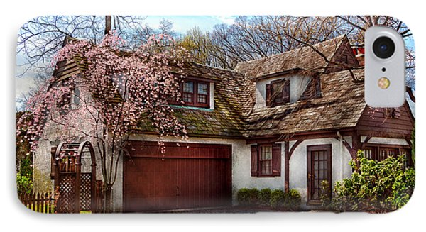 House - Westfield Nj - Who Doesn't Love Spring  Phone Case by Mike Savad