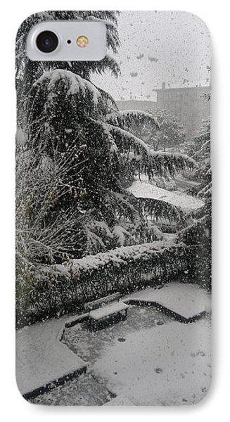 Huge Snowflakes Phone Case by Giuseppe Epifani