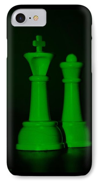 King And Queen In Green Phone Case by Rob Hans