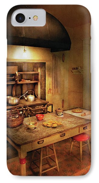 Kitchen - Granny's Stove Phone Case by Mike Savad