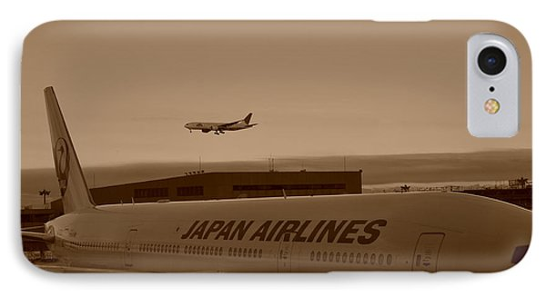 Leaving Japan IPhone Case by Miguel Winterpacht