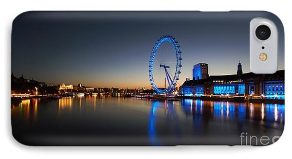 IPhone Case featuring the photograph London 1 by Mariusz Czajkowski