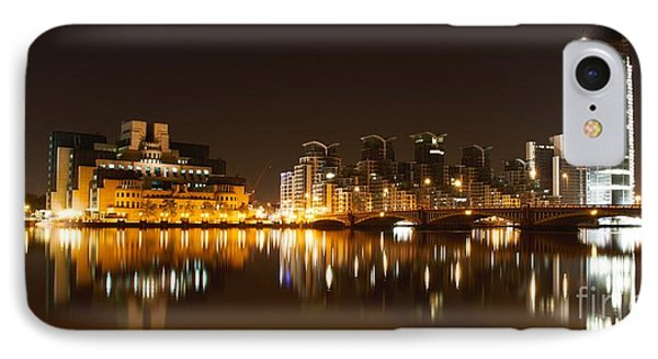 IPhone Case featuring the photograph London 3 by Mariusz Czajkowski