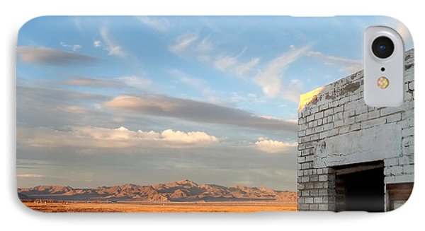 Looking Northward Phone Case by Glenn McCarthy Art and Photography