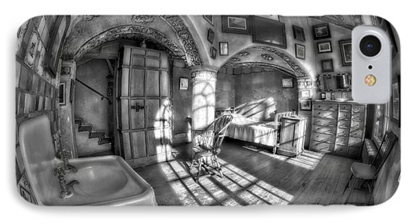 Master Bedroom At Fonthill Castlebw Phone Case by Susan Candelario