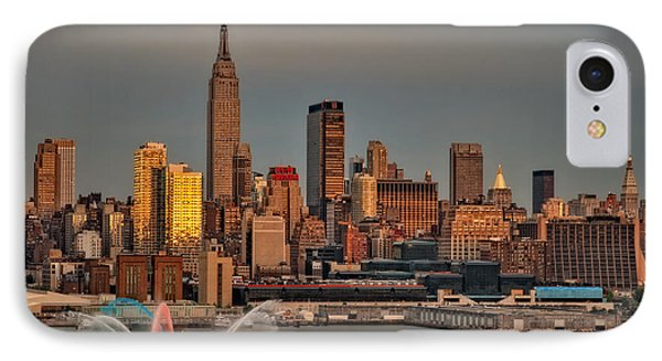 New York City Sundown On The 4th Phone Case by Susan Candelario