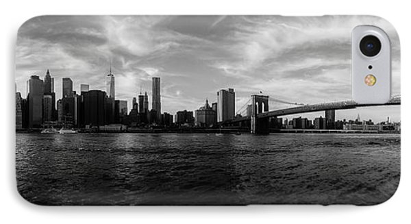 Statue Of Liberty iPhone 7 Case - New York Skyline by Nicklas Gustafsson