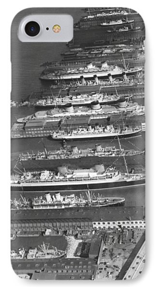 Ocean Liners At Nyc Dock IPhone Case by Underwood Archives