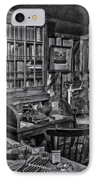 Old Fashioned Doctor's Office Bw Phone Case by Susan Candelario