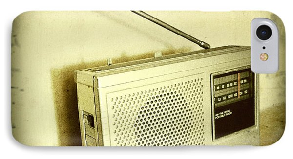 Old Radio Phone Case by Les Cunliffe