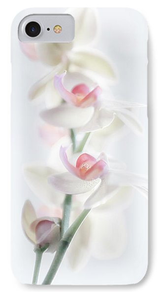 Pale Beauty IPhone 7 Case