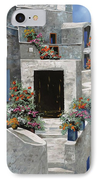 piccole case bianche di Grecia IPhone Case by Guido Borelli