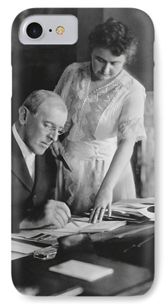 President And Mrs. Woodrow Wilson IPhone Case by Underwood Archives