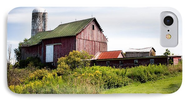 Red Barn In Groton Phone Case by Gary Heller
