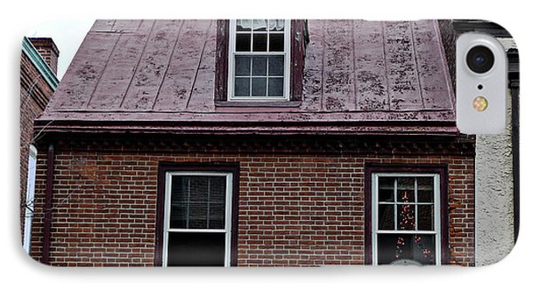 Room With A Red Tin Roof Phone Case by Richard Reeve