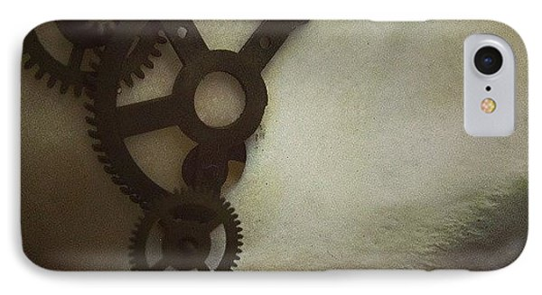 #steampunk #skull #clockworks #cogs IPhone Case