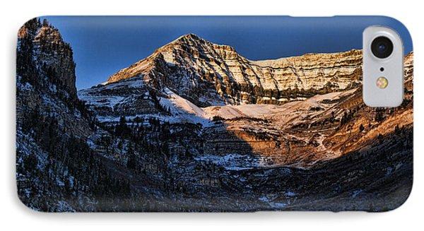 Sundance Aspen-first Light V5 Phone Case by Douglas Barnard
