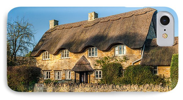 Thatched Cottage In Kingham Oxfordshire Phone Case by David Ross