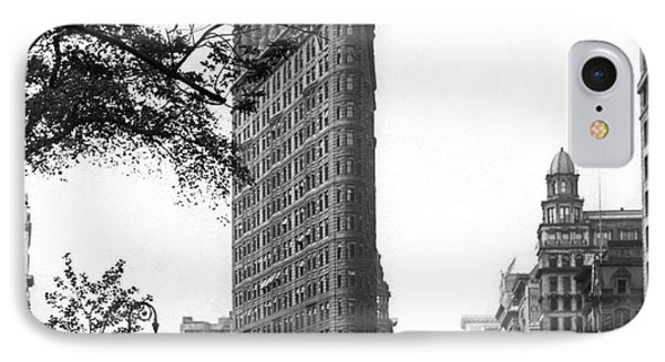 The Flatiron Building In Nyc IPhone Case by Underwood Archives