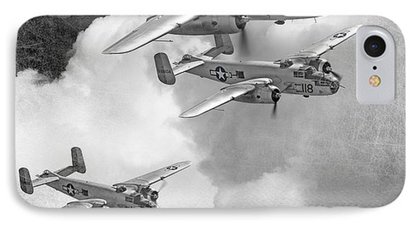 Tuskegee Airman...616th Bombardment Group Phone Case by Larry McManus