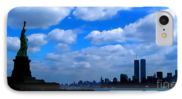 Twin Towers In Heaven's Sky - Remembering 9/11 IPhone Case