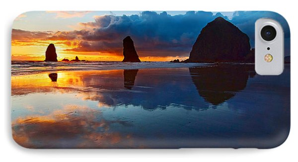 Wet Paint - Sunset In Oregon Phone Case by Jamie Pham