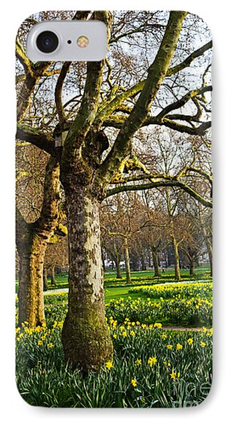 Daffodils In St. James's Park Phone Case by Elena Elisseeva