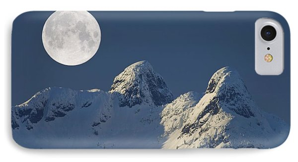 Full Moon Over The Lions, Canada Phone Case by David Nunuk