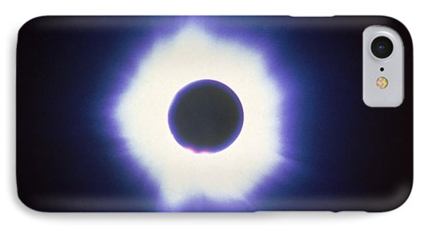 Total Solar Eclipse With Corona Phone Case by Science Source