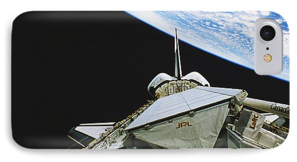 Space Shuttle Endeavour Phone Case by Science Source